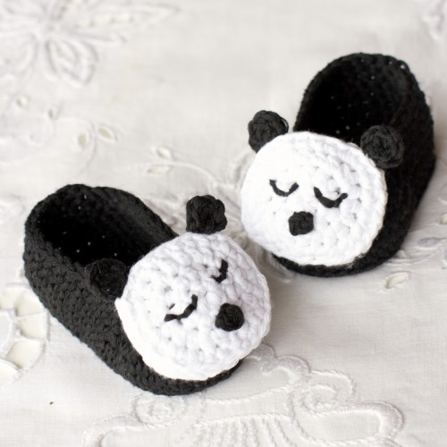 Sleepy Panda Baby Booties - Free Pattern