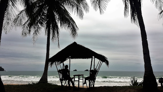El Nido, Filipinas. Playas alrededor de El Nido. Nacpan Beach.