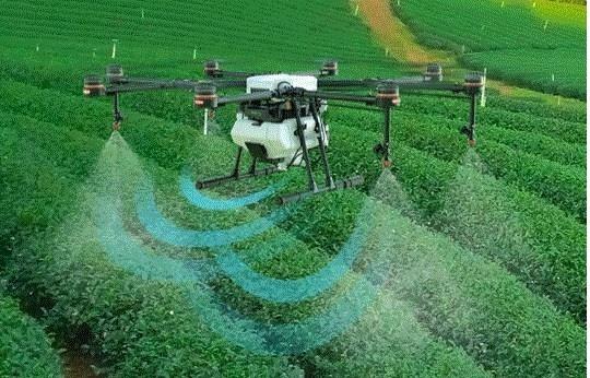 Ψεκασμούς με drone παρακολούθησαν αγρότες στα Ίρια και την Δήμαινα (βίντεο)