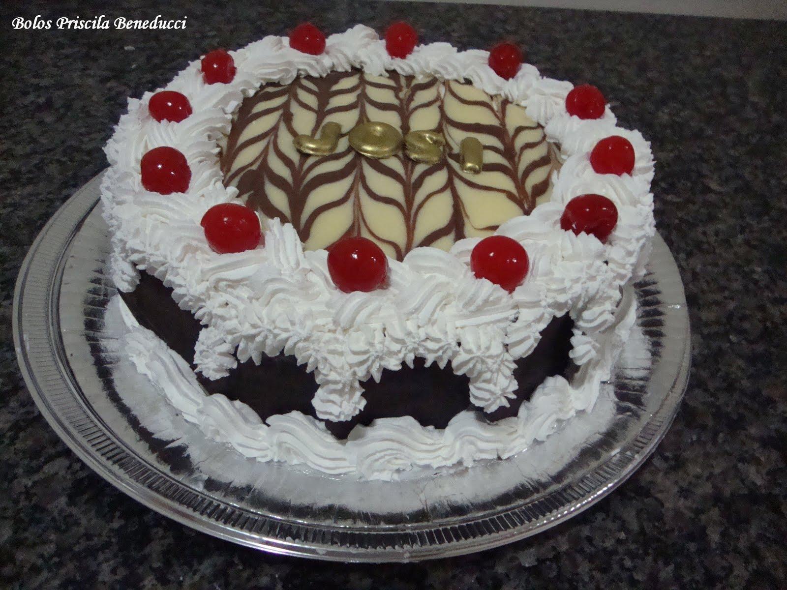 Bolos Priscila Beneducci Pâtisserie: bolo embrulhado