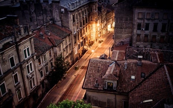 الشارع ليلا