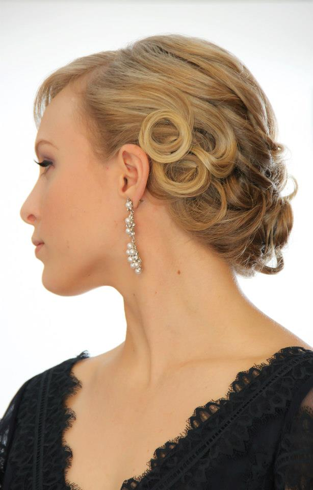 Gatsby Style Updo | tuck and cover great gatsby style ...