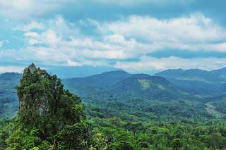 Wisata Alam Bukit Selo Arjuna dan Bligo, Bukit Batu Besar di kota Kendal