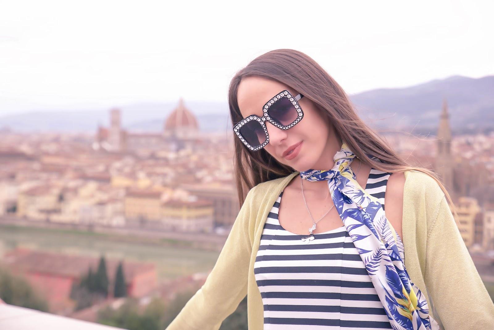 maxi occhiali da sole