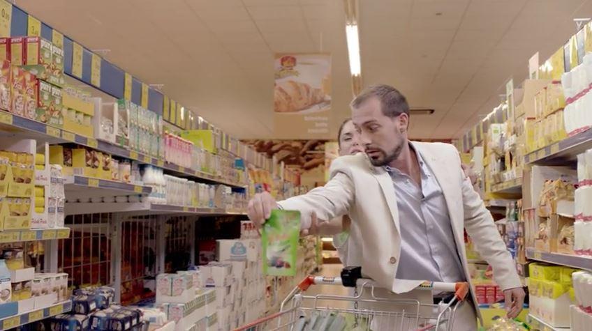 Pubblicità Dietor con un uomo che fa la spesa con Foto - Testimonial Spot Pubblicitario 2016