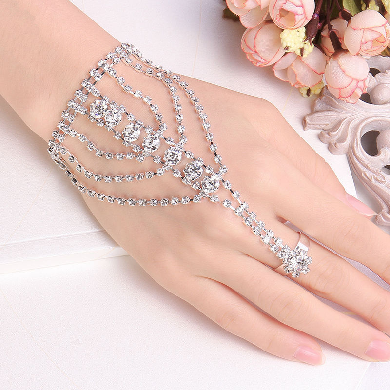 Fashion Beauty Wallpapers: Gold hand ring bracelet