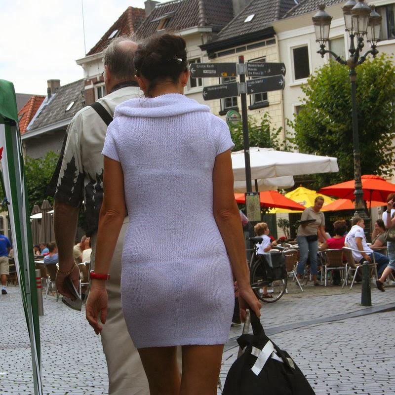 девушка в прозрачной одежде ходит по улице видео это, сексуальная сучка