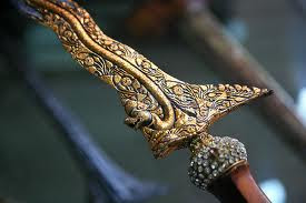 Tradisi Penghormatan atas Benda-benda Pusaka dan Batu Cincin