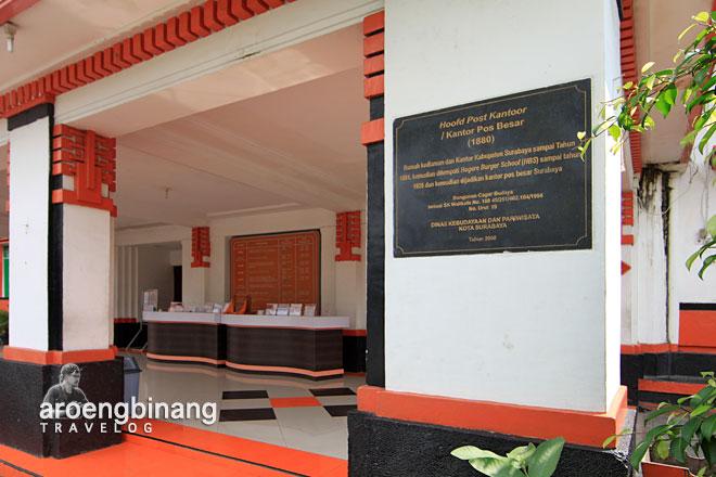 gedung kantor pos surabaya