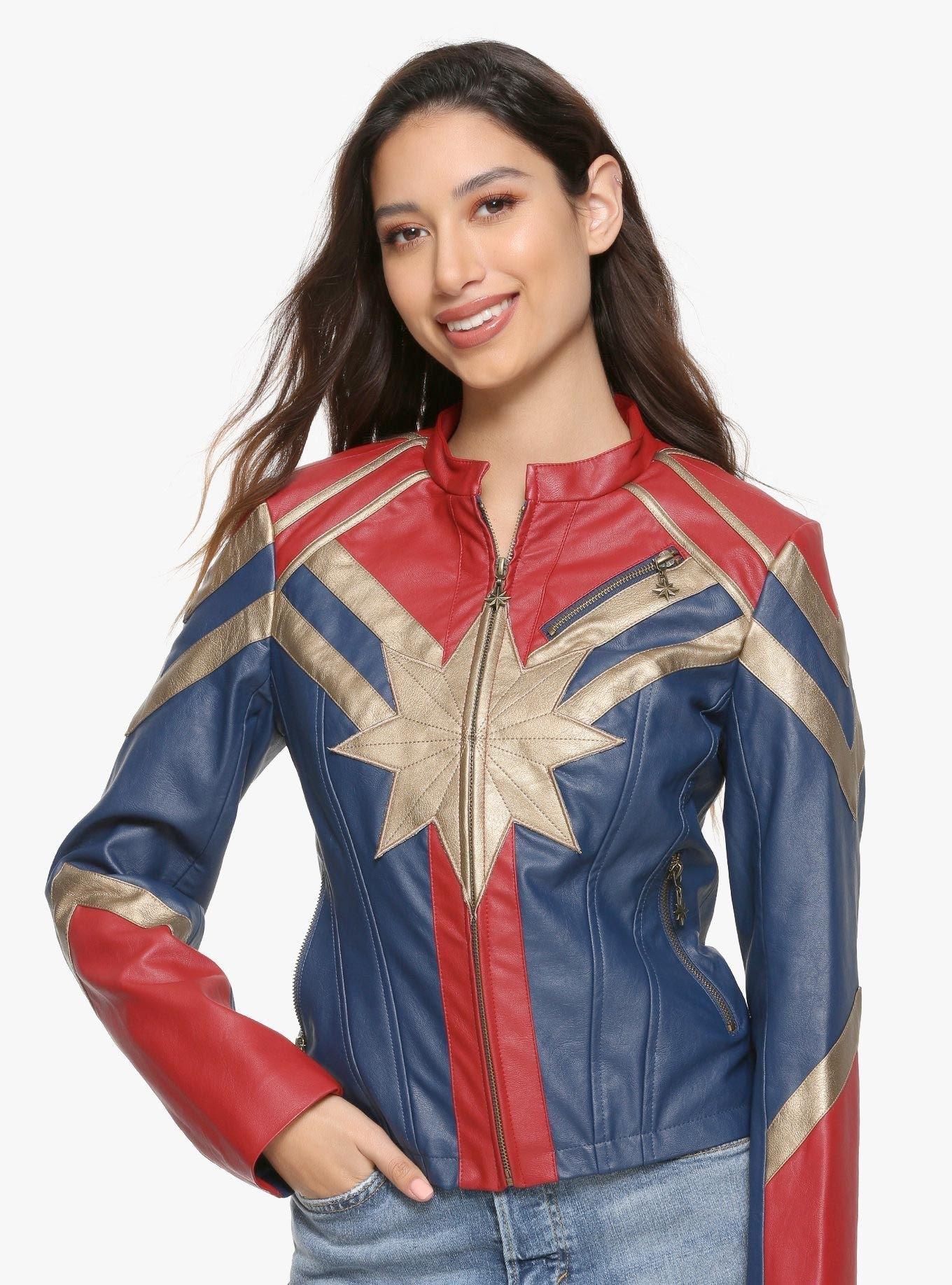 Captain Marvel Faux Leather Jacket : これさえ着れば、貴女もキャプテン・マーベル ! ! のフェイク・レザー・ジャケットは、79.90ドル(8,850円)で発売中 ! !