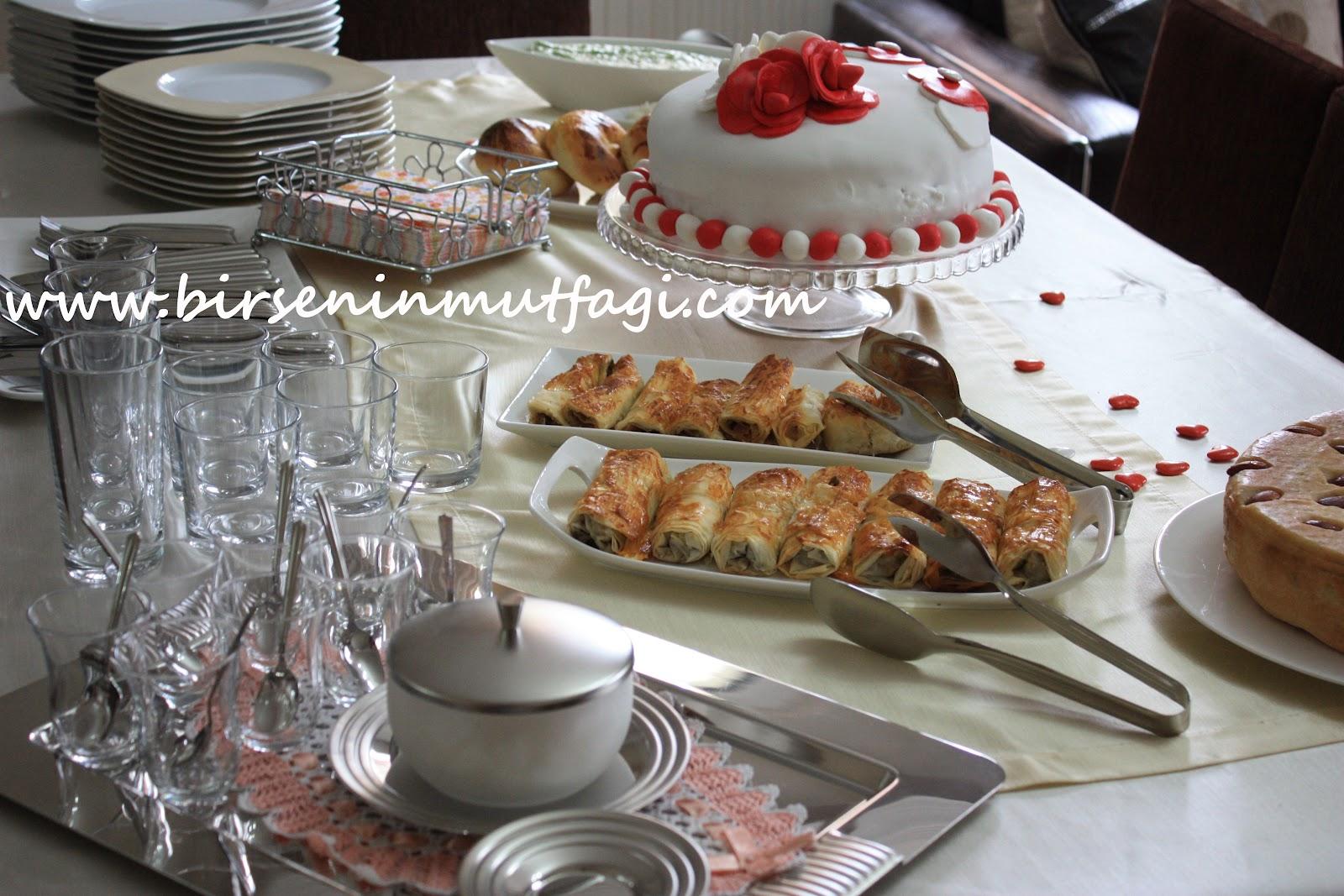 Doğum günü için sıcak: ne yemeği