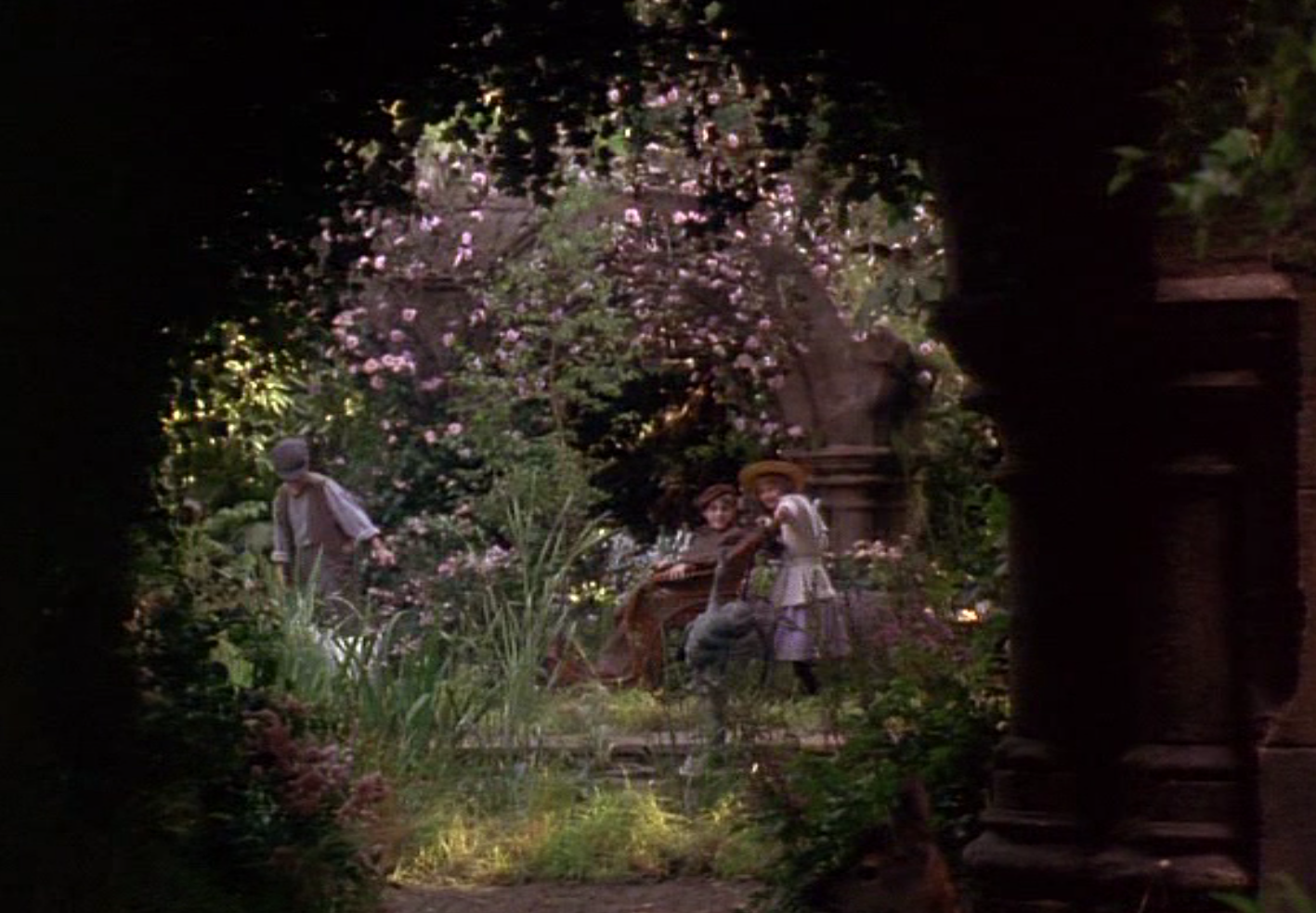 Secret Garden: Stand Still, Look Pretty...: The Secret Garden