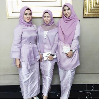 30 Model Kebaya Modern Muslim Untuk Muslimah Berjilbab Boesana Com