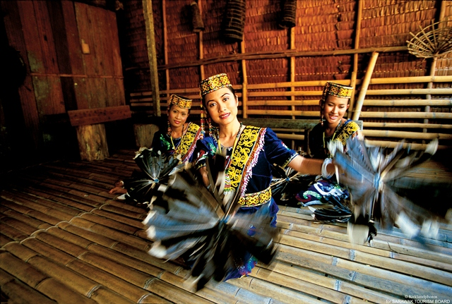 Image result for persembahan kampung budaya sarawak