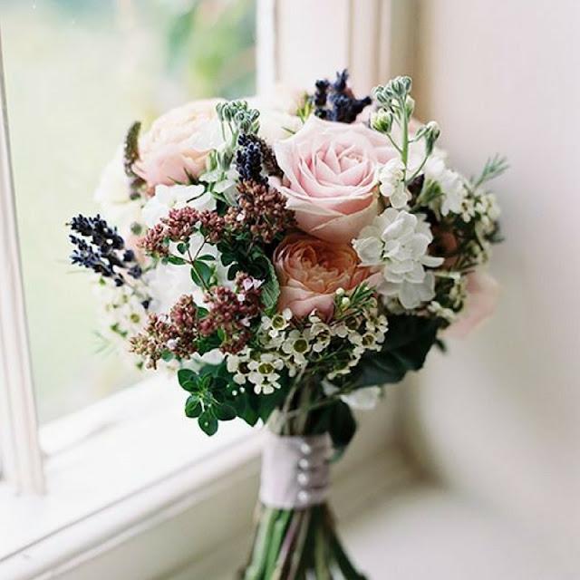 bukiet ślubny róże, bukiet ślubny wrzos