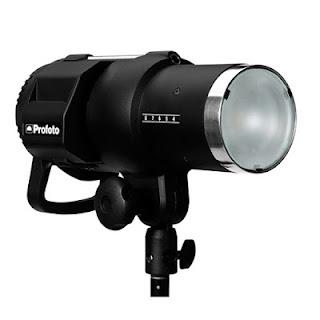 Monolight merupakan salah satu jenis lampu external yang sering digunakan fotografer pada studio foto