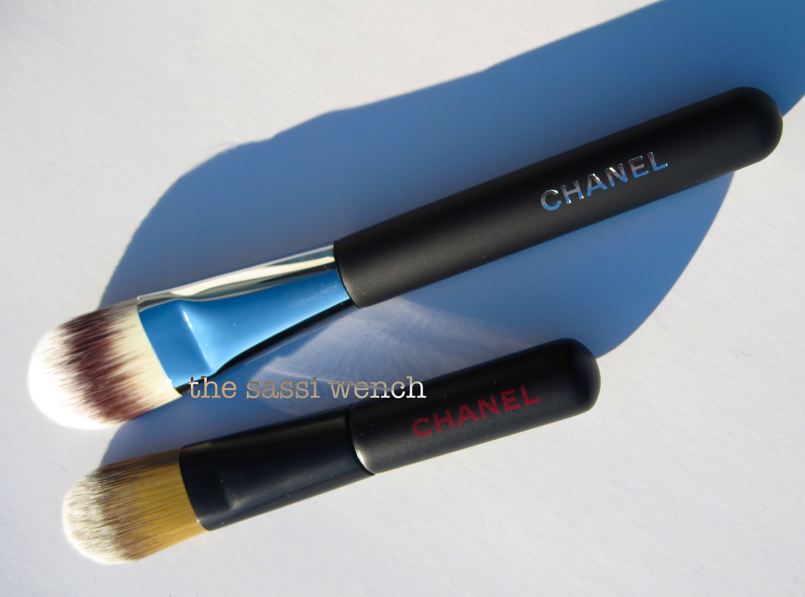 0a12c579a29 Chanel Foundation Brush  6 versus the Les Minis foundation brush.