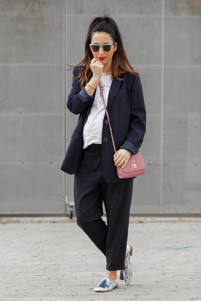 9cfb31fff8 EMbarazada+Look oficina trabajo+Traje oversize+Pantalones vestir baggy+Mocasines flores pintados A mano+IMG 7762.jpg