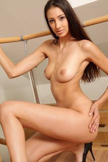 Jane - MC-Nudes - Playful - Jan 15, 2015