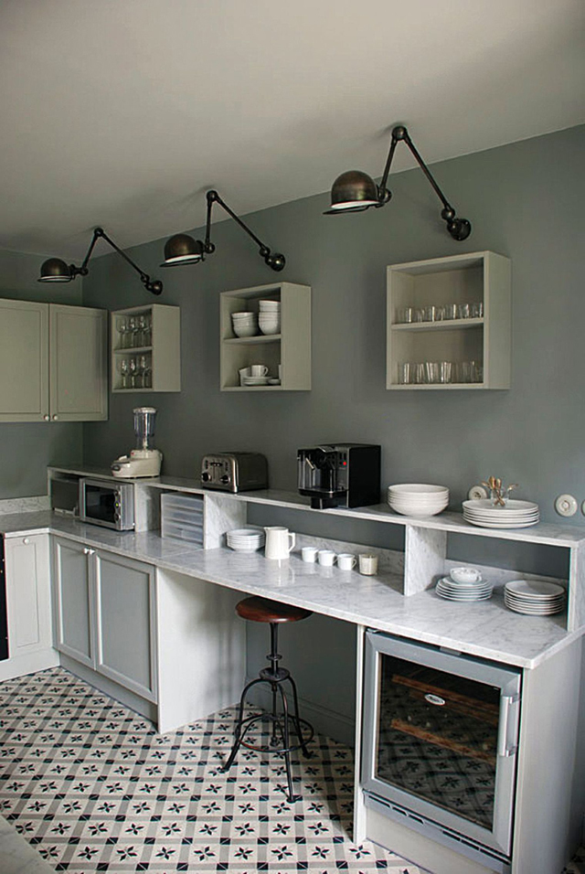 C mo planificar un lugar para comer en una cocina peque a for Mesa apoyo cocina