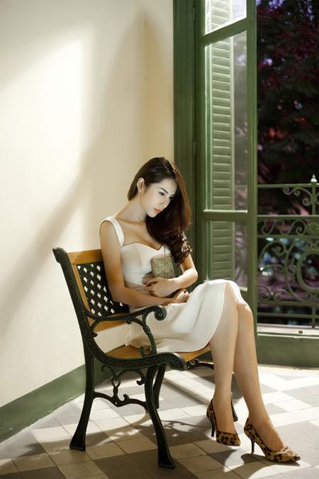 Vietnamese Singer Thuy Tien Girls Idols Wallpapers And