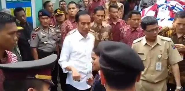 Lihat Jokowi Bagi-bagi Bingkisan, PAN Tuntut Dua Calegnya Dibebaskan