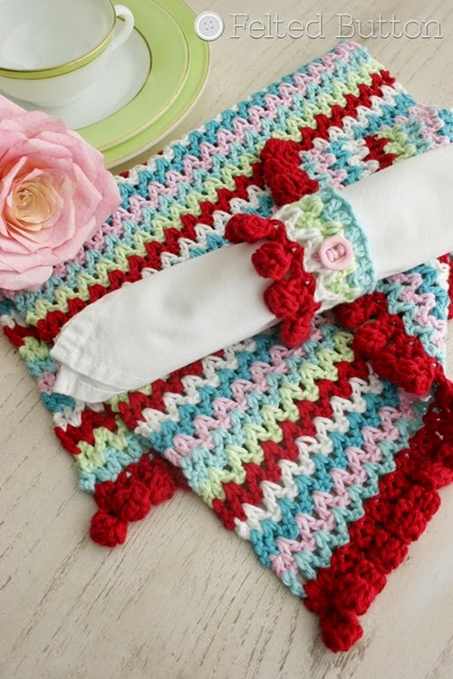 V-Stitch Placemat & Napkin Ring Free Crochet Pattern by Susan Carlson of Felted Button