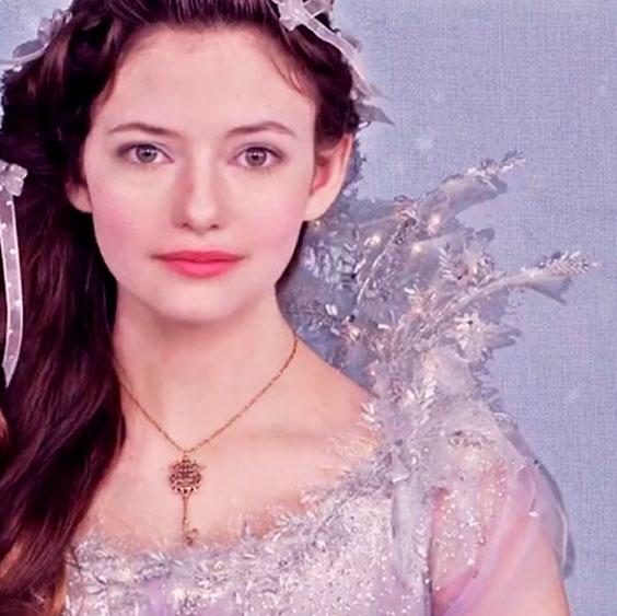 Clara (Mackezie Foy) Disney