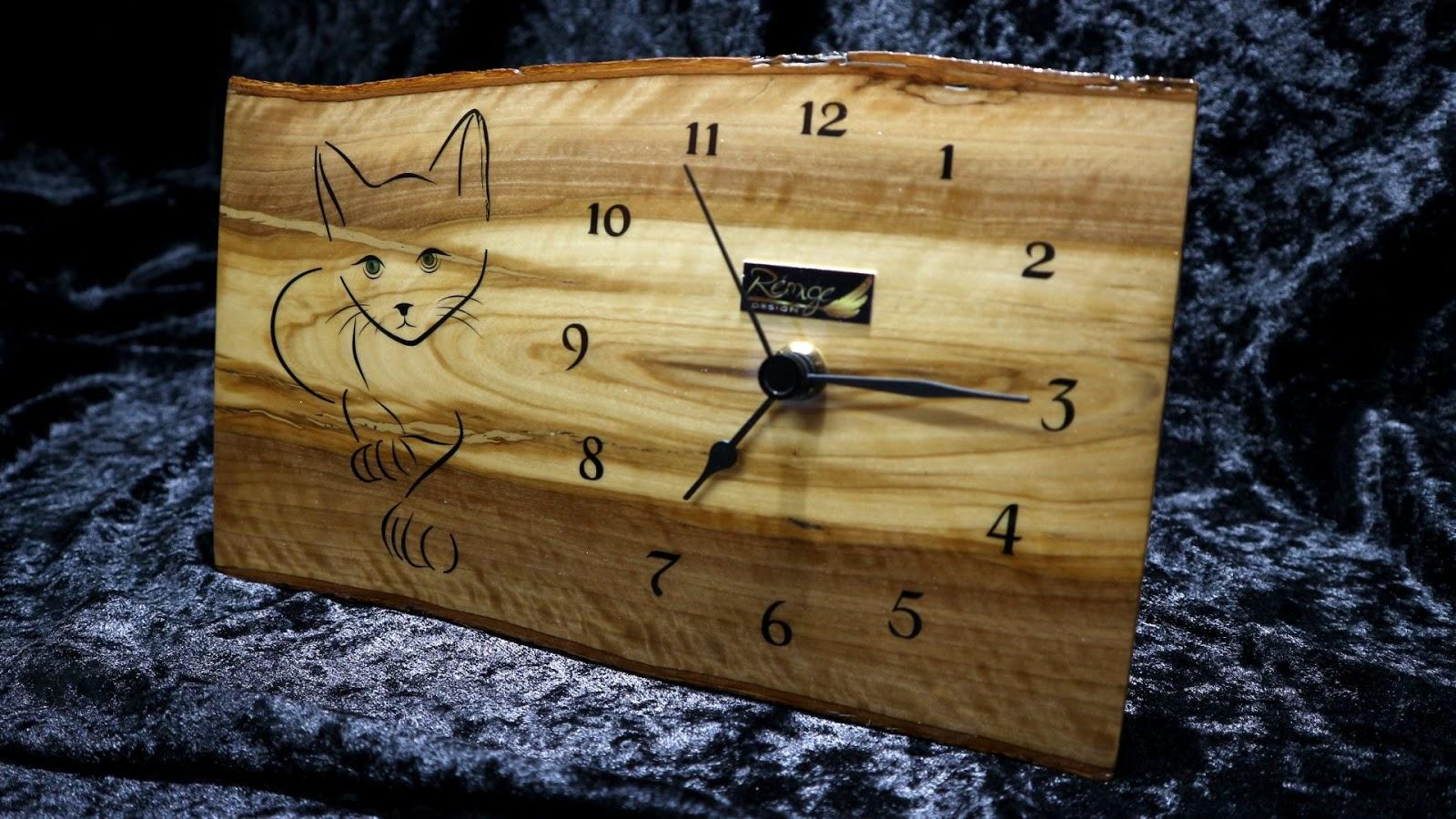 Un Artisan Du Beau Designer Luthier Rmige