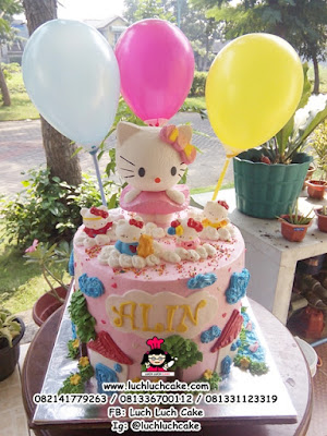 Hello Kitty Birthday Cake Dengan Balon
