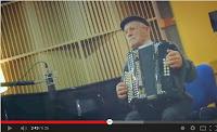 http://musicaengalego.blogspot.com.es/2013/11/kepa-junkera-elele-video-promocional-de.html