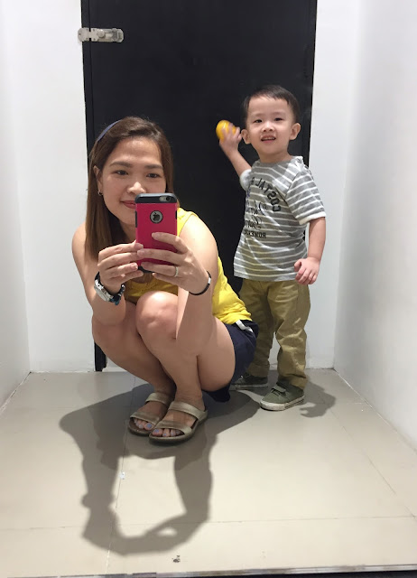 a photo of mommy blogger in the Philippines AskMeWhats with Kyle Nash