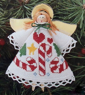 http://christmas-craft-kits.blogspot.com/