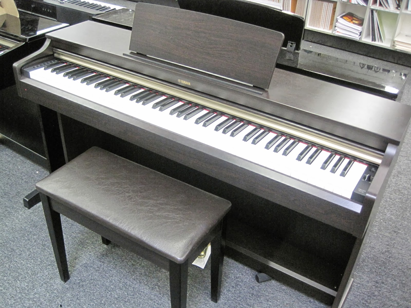az piano reviews review yamaha ydp142 ydp162 ydps51 digital pianos recommended very. Black Bedroom Furniture Sets. Home Design Ideas