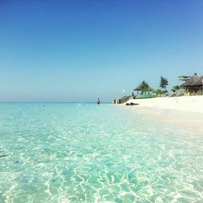 Pulau Samalona Kota Makassar Photo by @arulasfan
