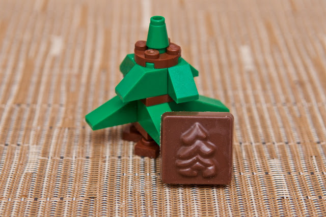 Lego - Advent Calendar - Calendrier de l'Avent - Christmas Tree - Sapin de Noël - Lego - Chocolat au lait