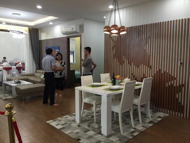 Không gian phòng khách và phòng bếp riệng biệt