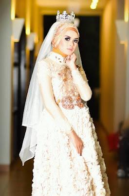 Tips Memilih Model Hijab dan Gaun Pengantin yang Modis