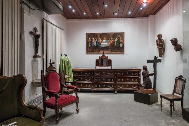 Interior do Museu de Arte Sacra da Arquidiocese de Curitiba.