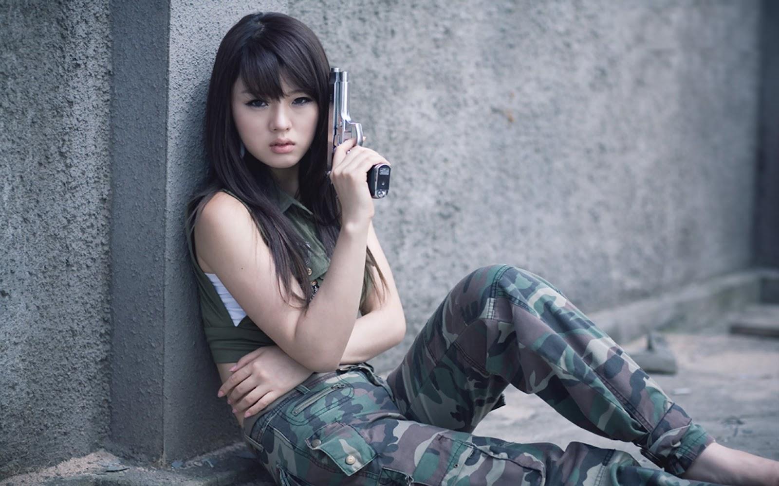 desktop wallpaper  cute hwang mi hee with gun desktop wallpaper