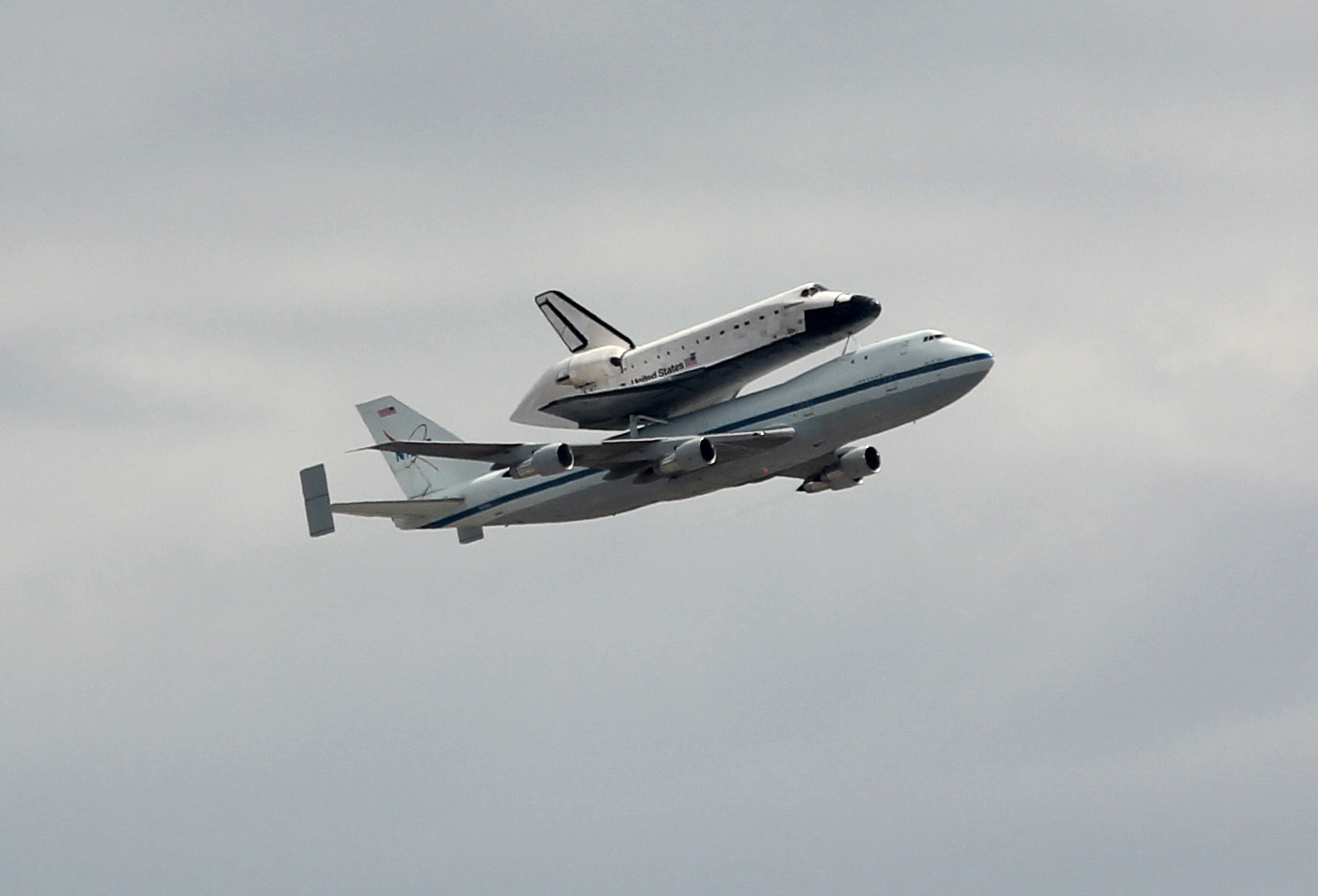 Space Ship Endeavor - Pics about space