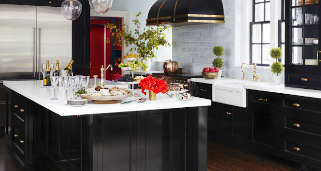 Kitchen black design looks timeless, elegant and goes with just about everything.