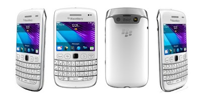 BlackBerry Bold 9790 Onyx 3 in white