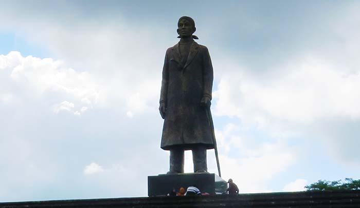 Patung Raksasa Jenderal Sudirman