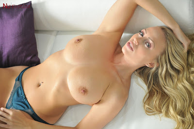 Nuerotica Holly Gibbons Holly On A White Sofa Picture Set