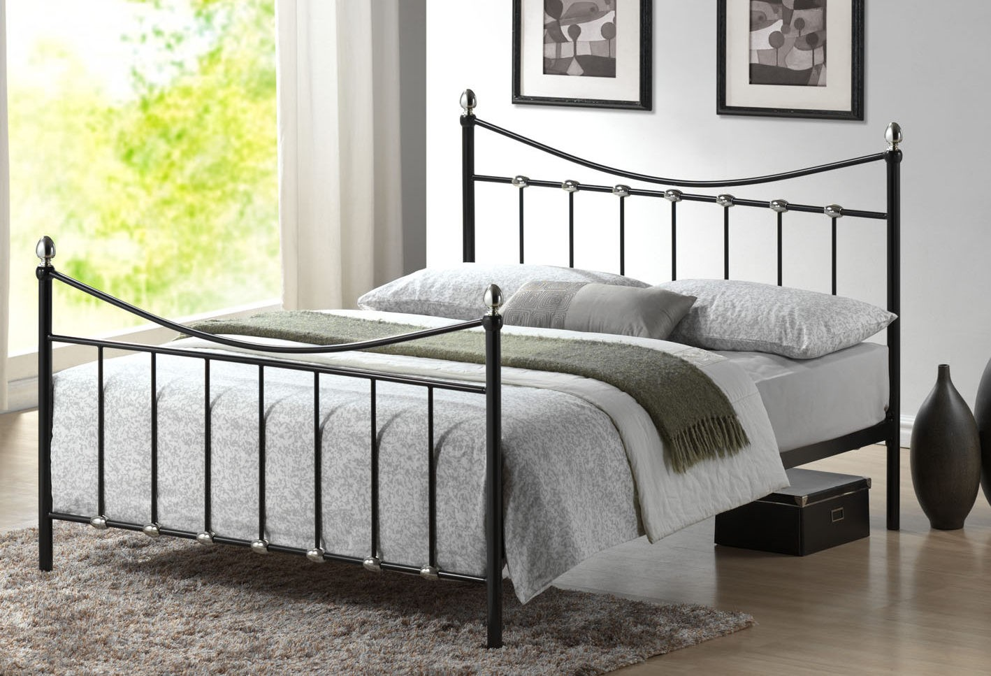 Metal beds in bedroom design - Bed frames for small rooms ...