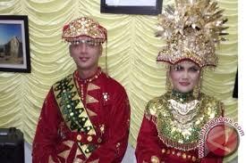 Nama-Pakaian-Adat-Tradisional-Bangka-Belitung