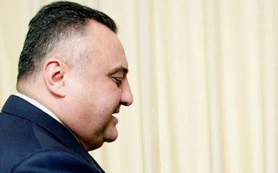"""""""Dedim, Eldar Mahmudova cib xərcliyi lazımdırsa, 10 min verim"""""""