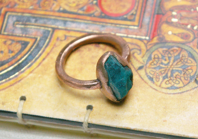 https://www.etsy.com/ca/listing/623270921/aqua-apatite-rough-stone-ring-raw-stone