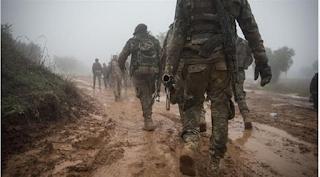 ABD ve Avrupalı gönüllüler Kürtlerle Türkiye'ye giriyor